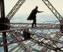 Image: What famous landmark does Grace Jones jump from in A VIEW TO A KILL?