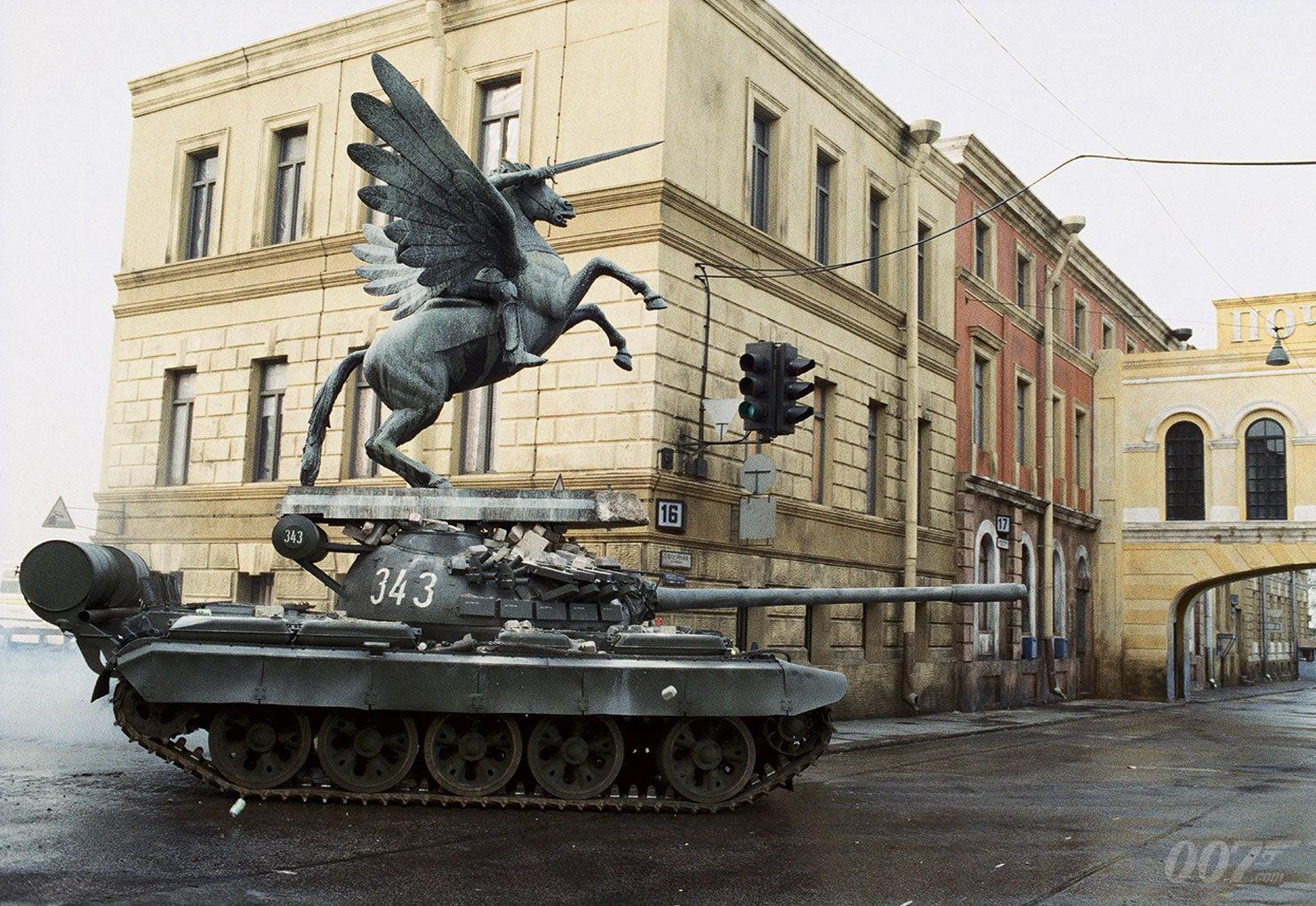 Focus Of The Week: GoldenEye Tank Chase | James Bond 007
