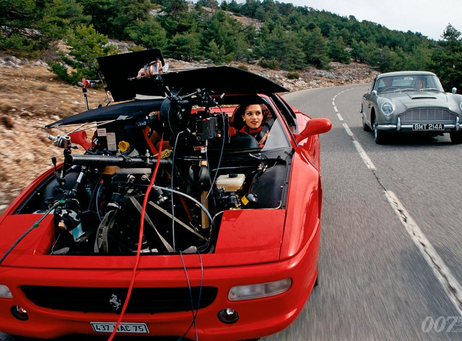 Goldeneye S Db5 Versus F355 Road Duel James Bond 007