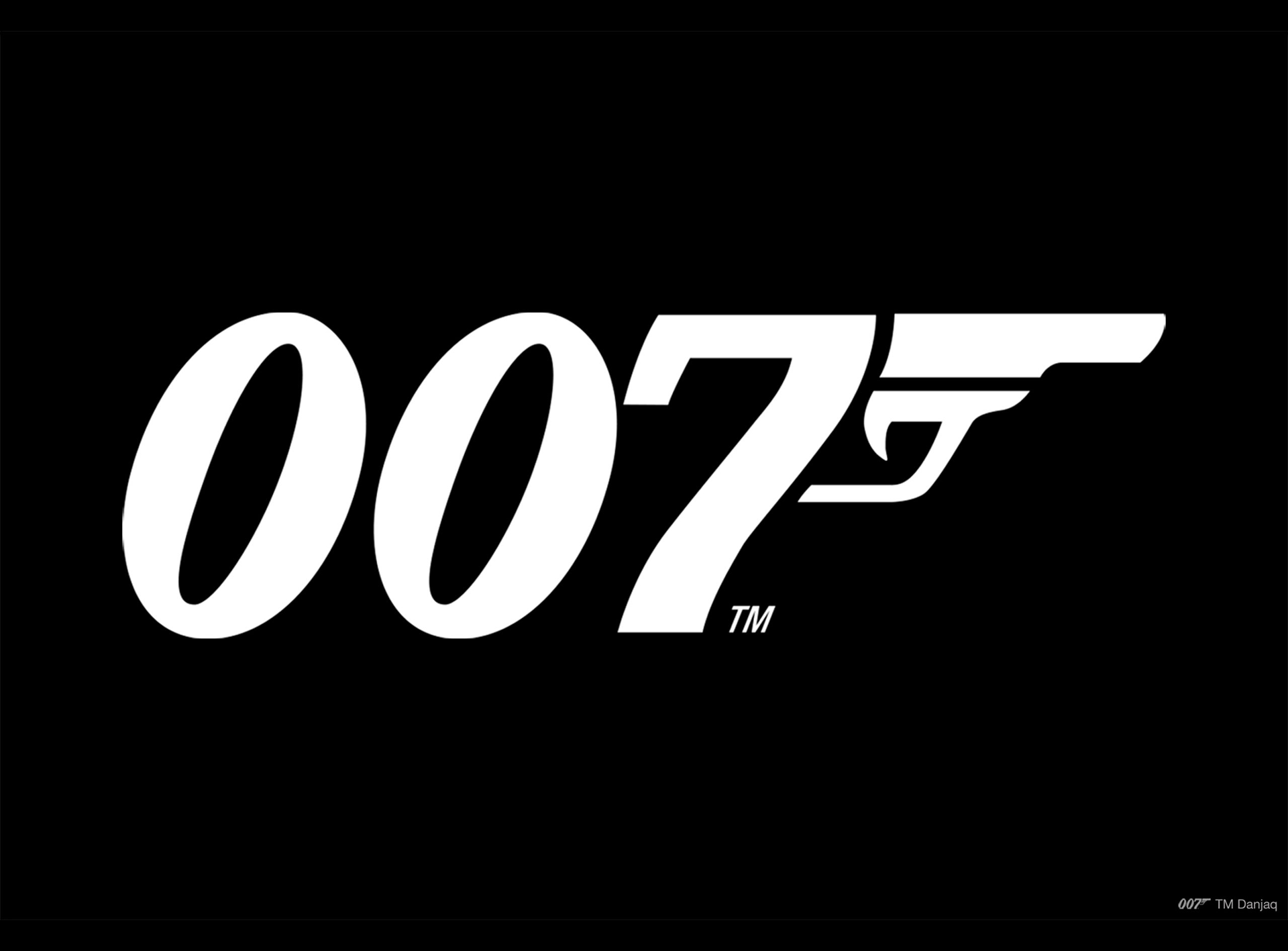 007 Exhibition To Open In New York