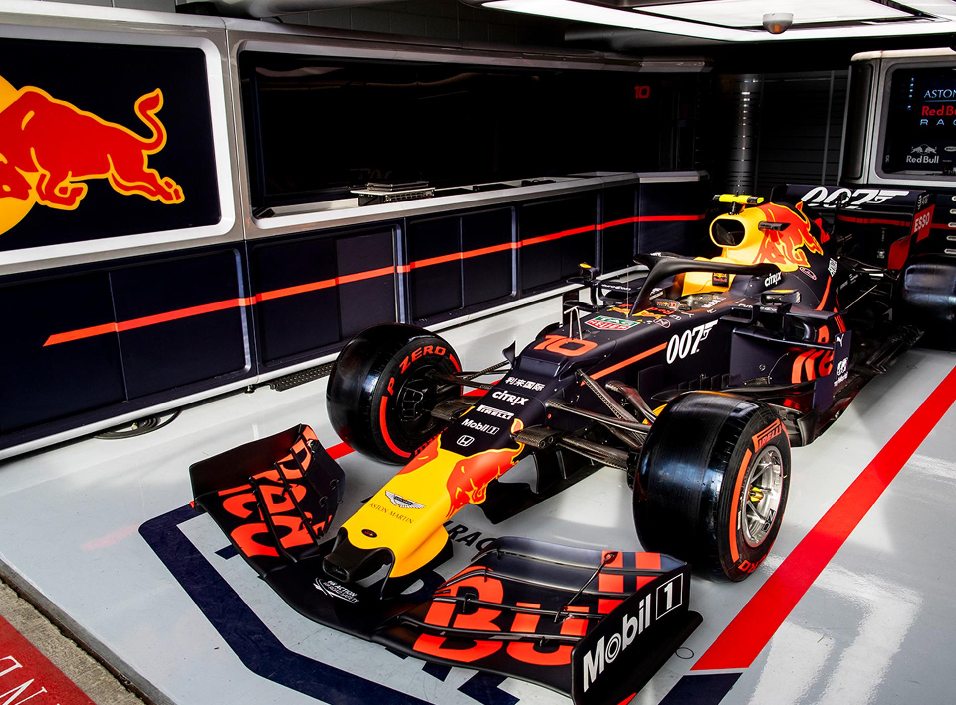 007 And Aston Martin Red Bull Racing James Bond 007