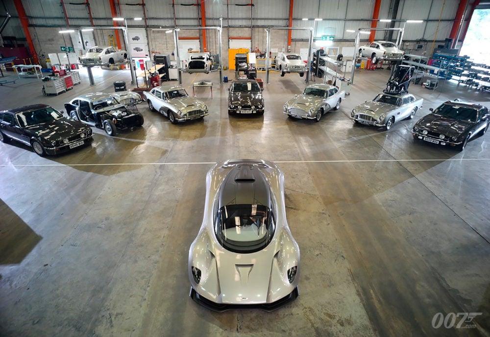 ASTON MARTIN BOND 25 CARS
