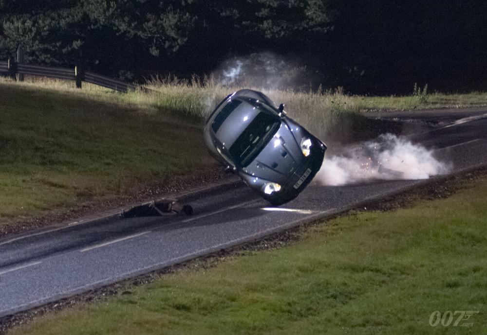 Focus Of The Week: CASINO ROYALE's Aston Martin DBS flip