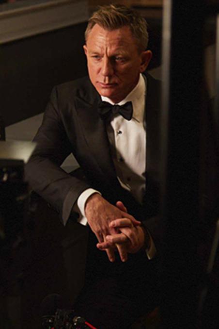 Daniel Craig Stars in Heineken TV Ad