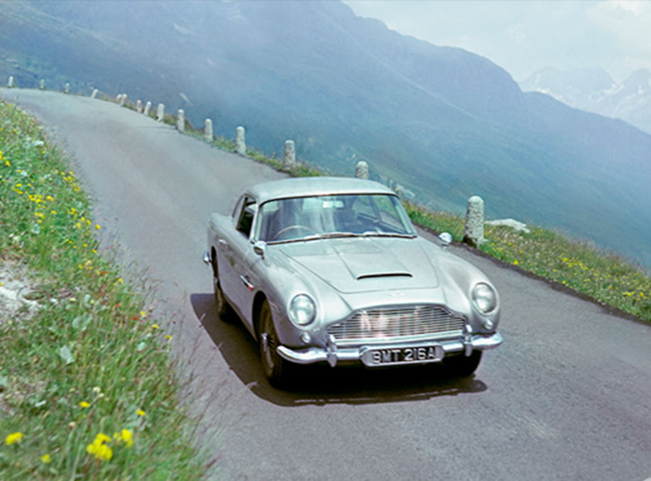 The DB5 reveals its gadgets